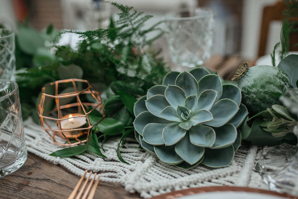 Boho botanical wedding table decorations | The Sweet Stuff