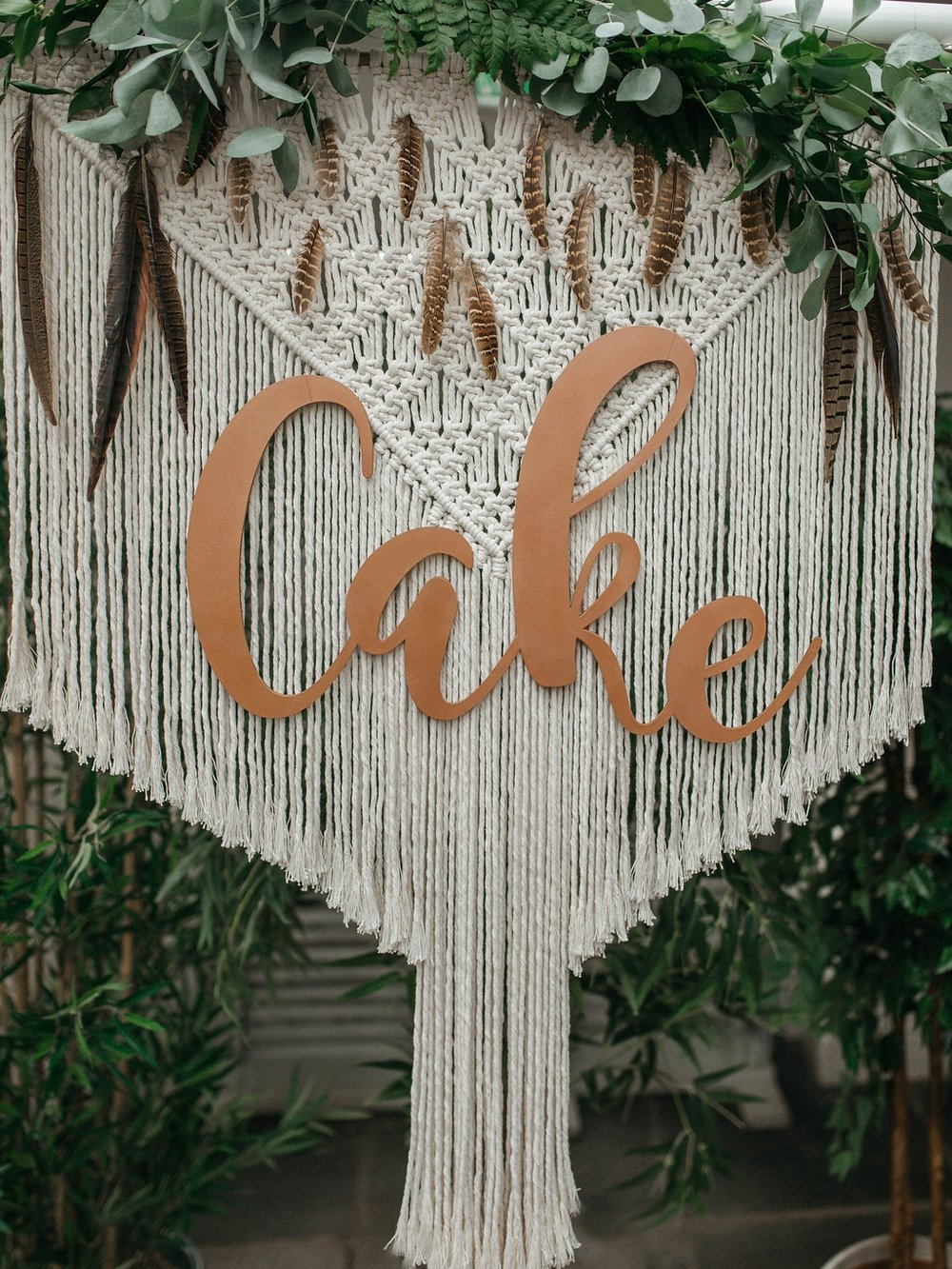 Boho-chic macrame backdrop | The Sweet Stuff