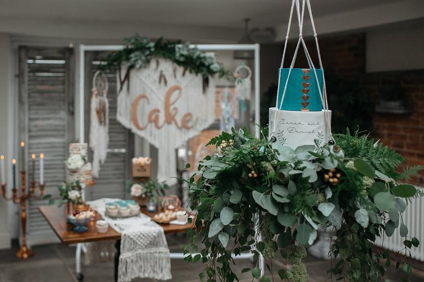 boho botanical cake swing