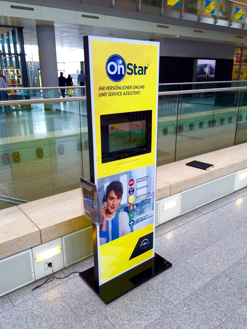 DIgital Signage Magnetdisplay STAR.jpg