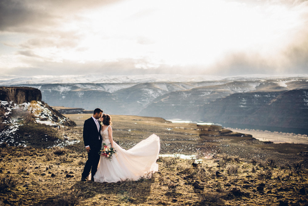 Styled Desert Elopement Shoot at Cave B Winery - With Saving Grace Events, Fyrelite Photography Unique & Chic Rentals, Gathered Confections & Kristen Judkins