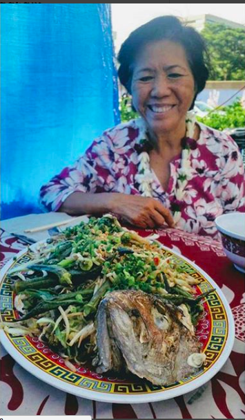 Mama Le celebrates her birthday at Blasidell Farmers Market this week. Fried fish made by Chef Keaka for this occasion. Photo by @naikanda