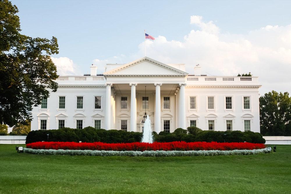 Fotolia_67780674_whitehouse.jpg