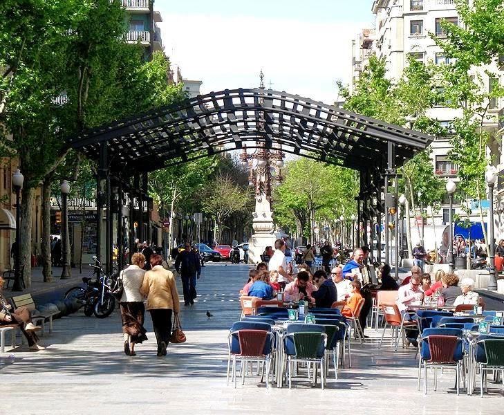 Av.Gaudi_9216.jpg