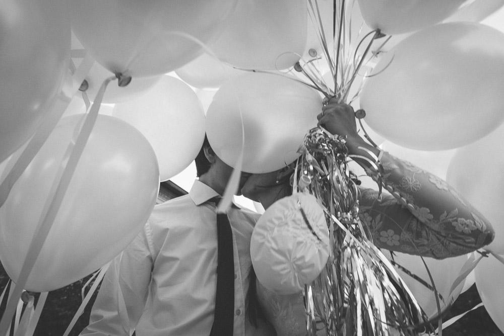 suelta de globos para bodas.jpg