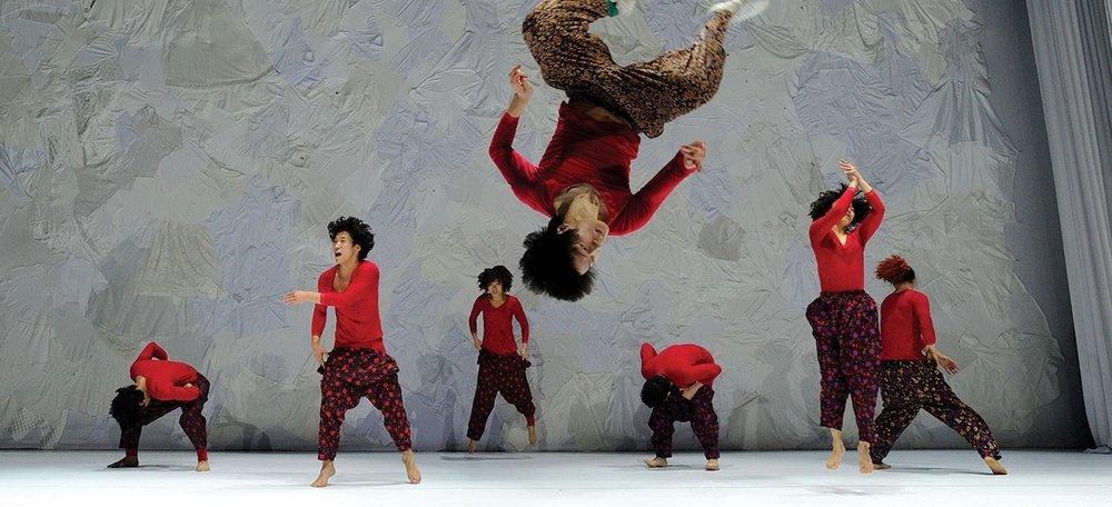 dancing-grandmas-2000x640.jpg