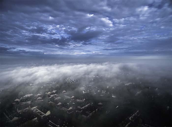 Cloudmirror_700.jpg