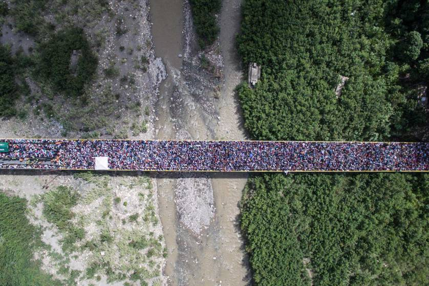 international-bridge-simon-bolivar-by-losmanesdeldrone.jpg