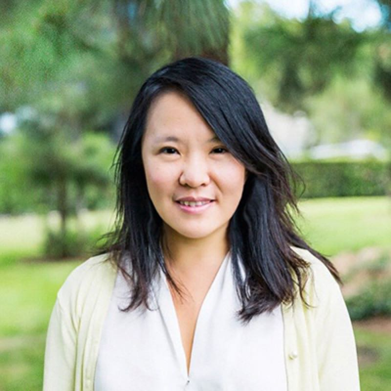 曲卉 Hui Qu - VP of Growth, AcornsHui Qu is the current VP of Growth at Acorns, the largest Micro Investment App in the US. She published the Live Notes of Growth Hacker in Silicon Valley.曲卉是现任美国最大微投资应用Acorns市场和实验副总裁,前Growth Hacker网增长负责人,《硅谷增长黑客实战笔记》作者。