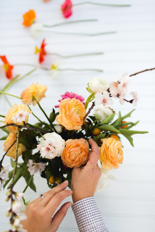 6Emblem Freutcake Floral Column Photography