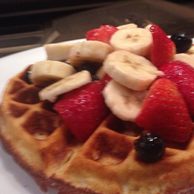 Simple and delicious, waffle with berries and banana #grub_sf #sfbreakfast #sfbrunch #themission
