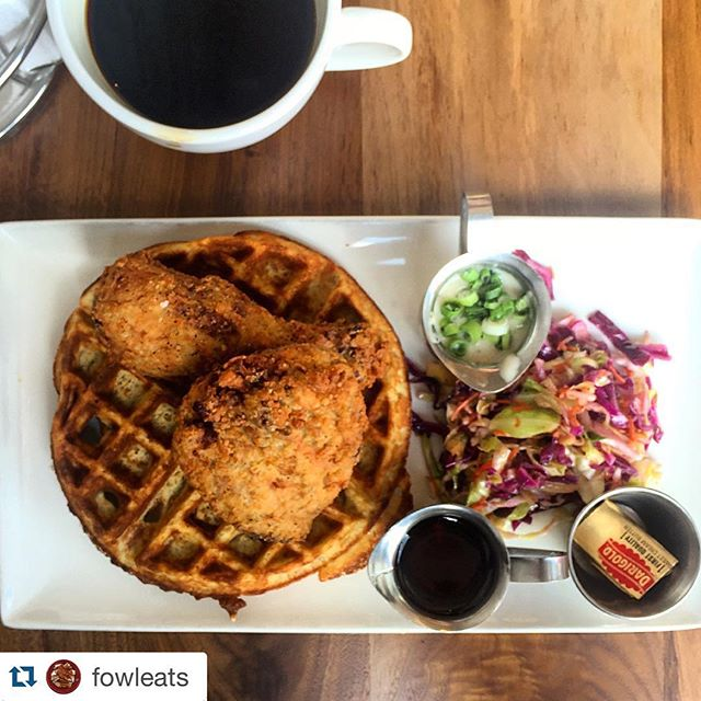 #Repost @fowleats with @repostapp. ・・・ @grub_sf's chicken and waffles with slaw, country gravy and coffee. most importantly coffee. #chickenbreakfast