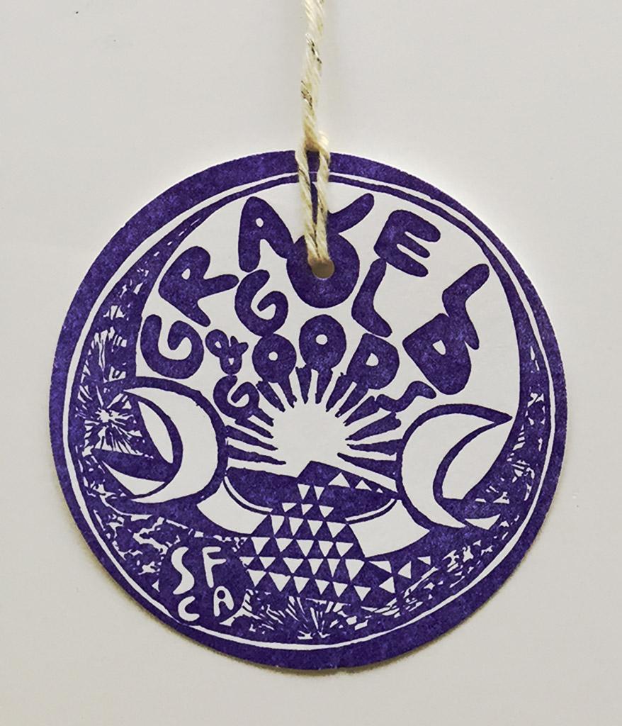 Circular hang tag