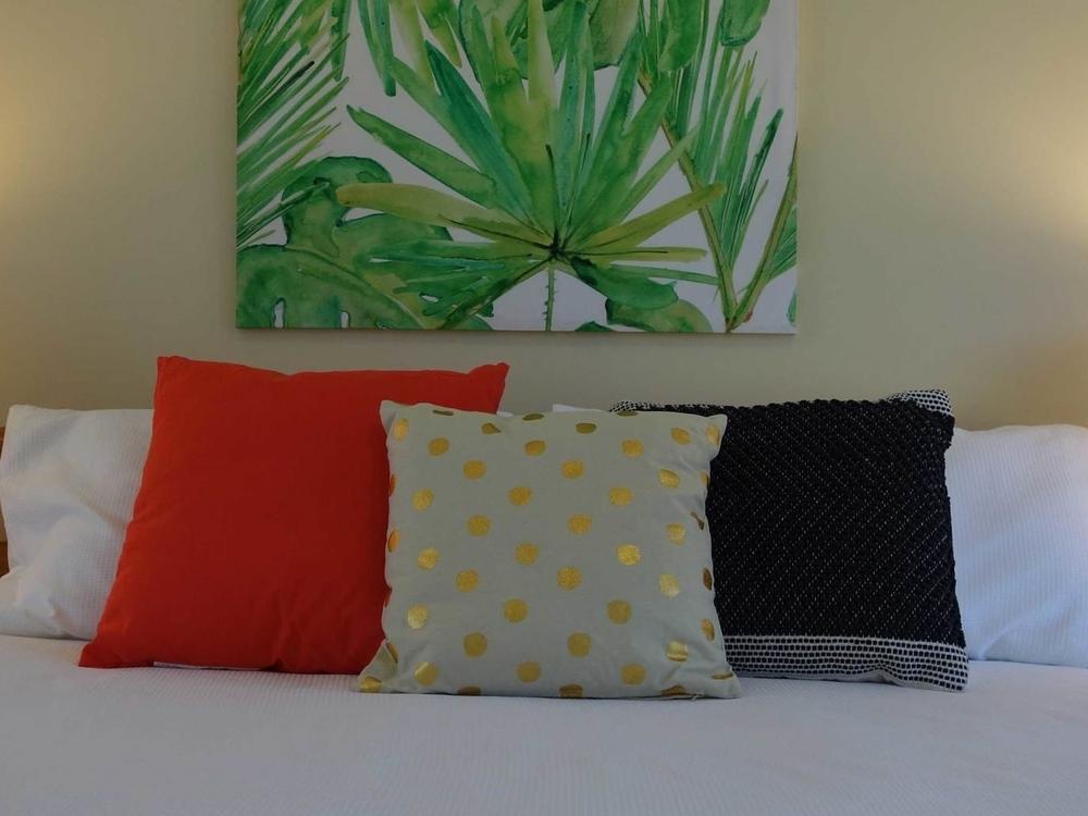 MisterBrightSide---Bedroom---Queen---2.jpg