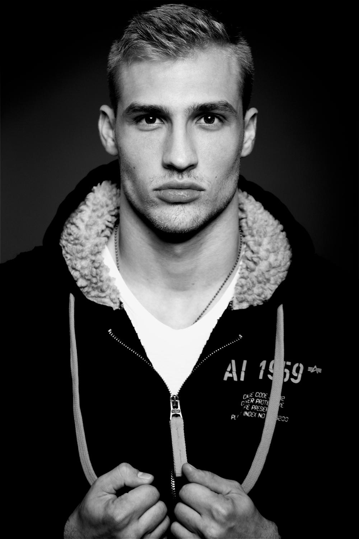 Daniel Z, Sapphire-Models