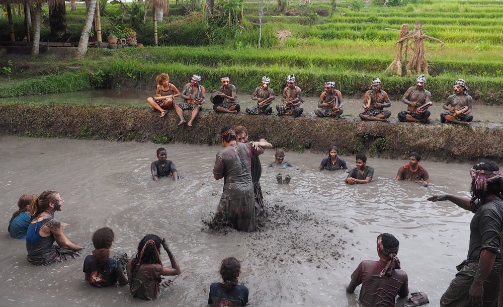 Performing arts of Bali, Indonesia - Teacher lead