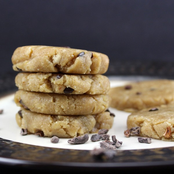 raw-vegan-chocolate-chip-cookies-fg-600x600.jpg