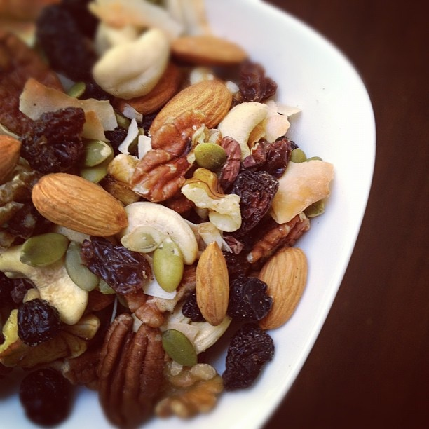 900b0ab10fff154b65ac707efca903df--paleo-trail-mix-trail-mix-recipes.jpg