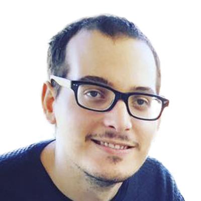 "<a href=""https://es.linkedin.com/in/h%C3%A9ctor-luis-garc%C3%ADa-soler-897930101 ""target=""_blank"">Héctor García →</a><strong></strong><strong>Diseñador</strong>"