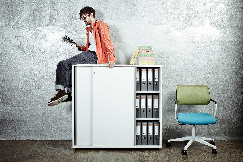 Fotowerk Werbefotografie - moderne Büroeinrichtung für junge Leute