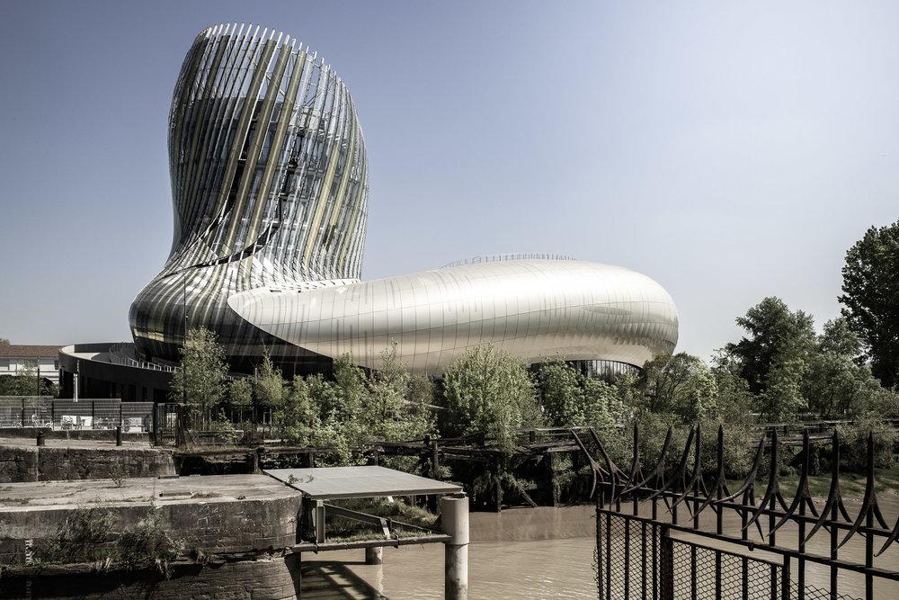 Architekturfotografie - Weinmuseum in Bordeaux