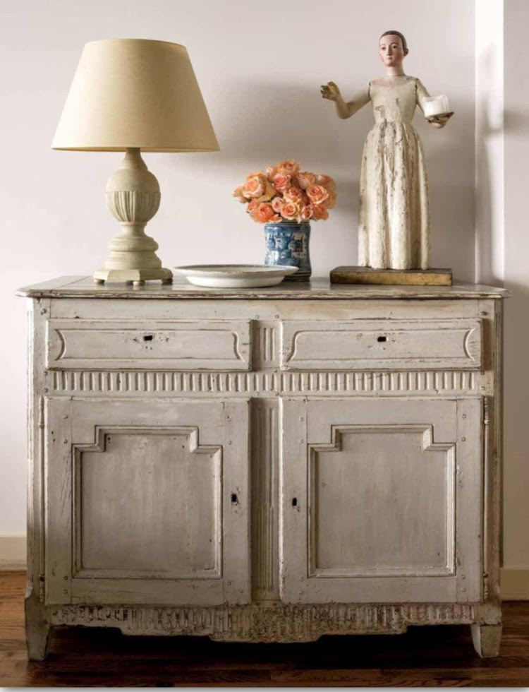 Carol Glasser Had An Antique Store In Houston Early In Her Career. Back  Then She Traveled And Bought Mostly In England. Her Collection Of Antique  Furniture ...