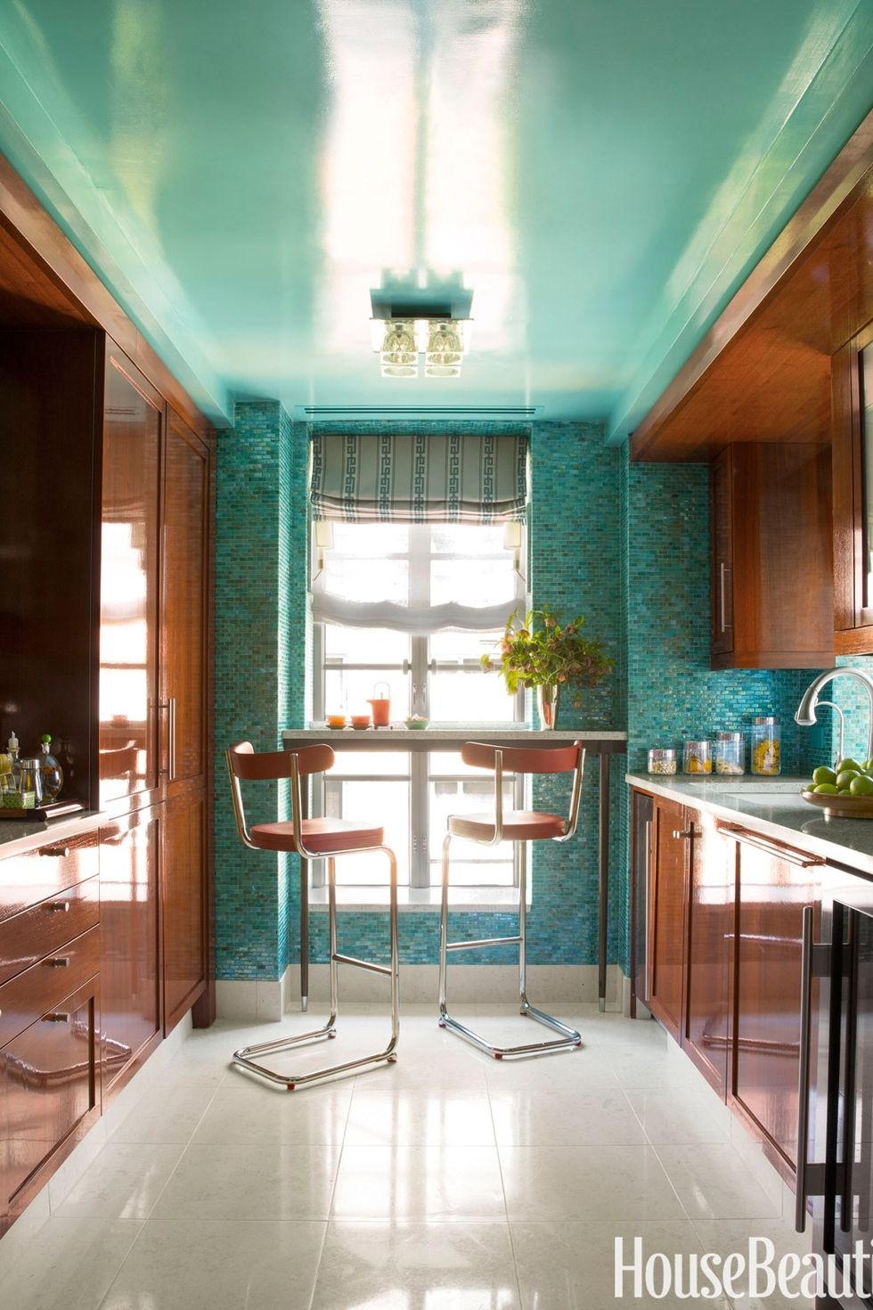 1424211135-hbx-teal-lacquered-kitchen-0713.jpg