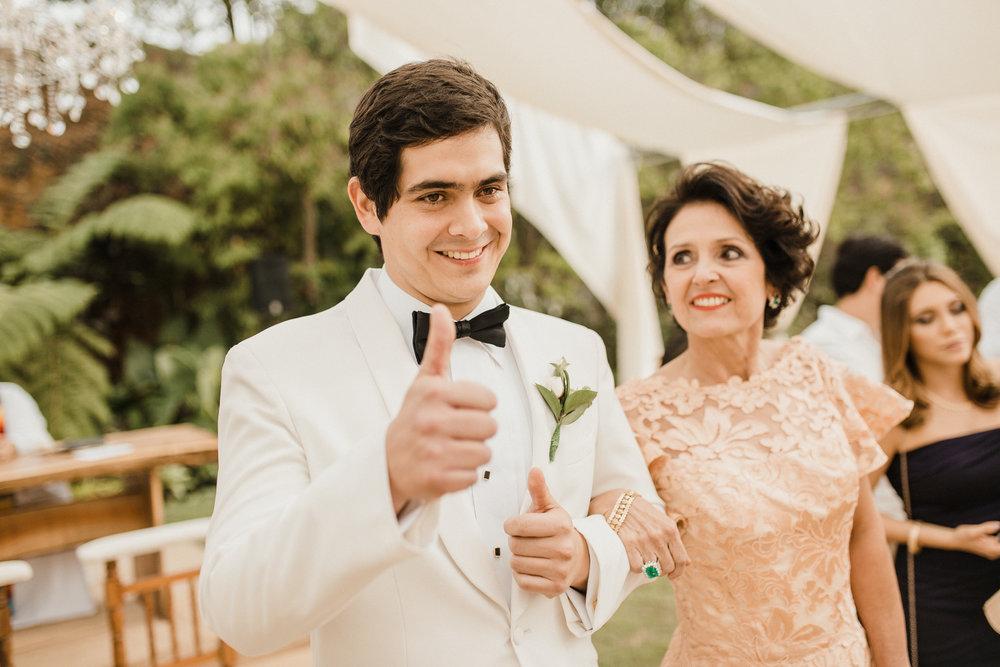 1 D+J Tropical Wedding-38.jpg