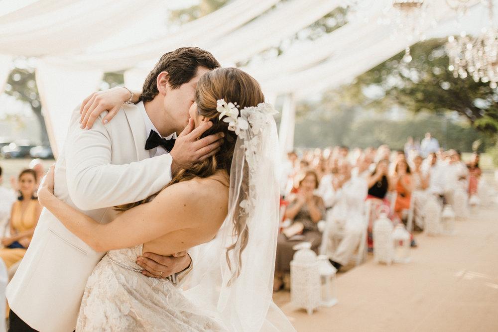 1 D+J Tropical Wedding-75.jpg