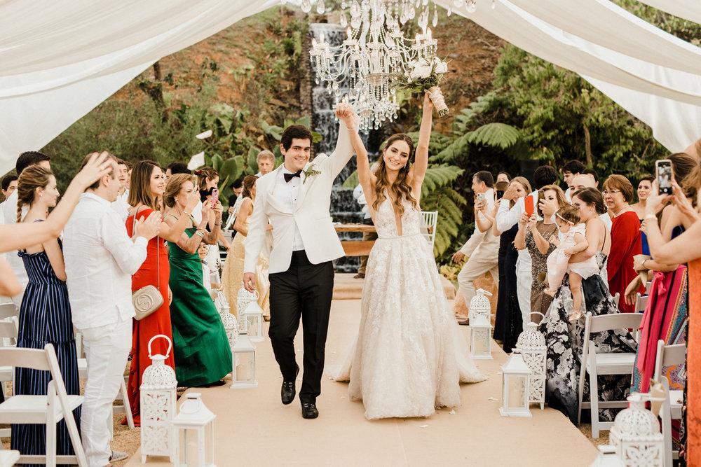 1 D+J Tropical Wedding-90.jpg