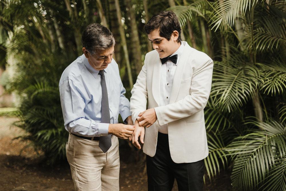 1 D+J Tropical Wedding-7.jpg