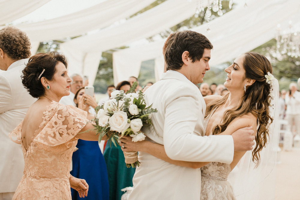 1 D+J Tropical Wedding-59.jpg