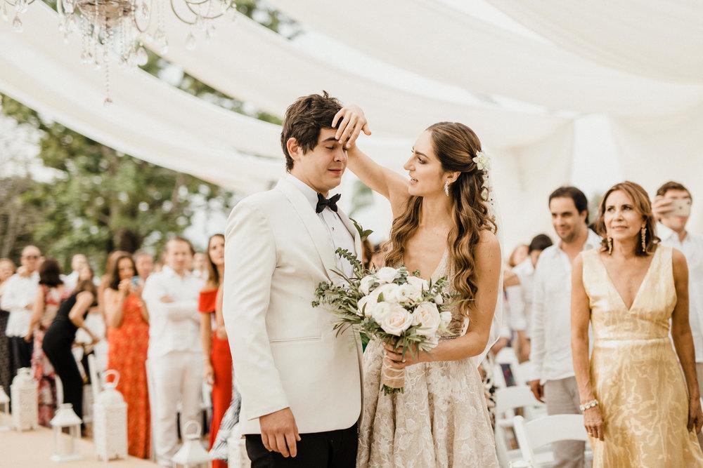1 D+J Tropical Wedding-61.jpg