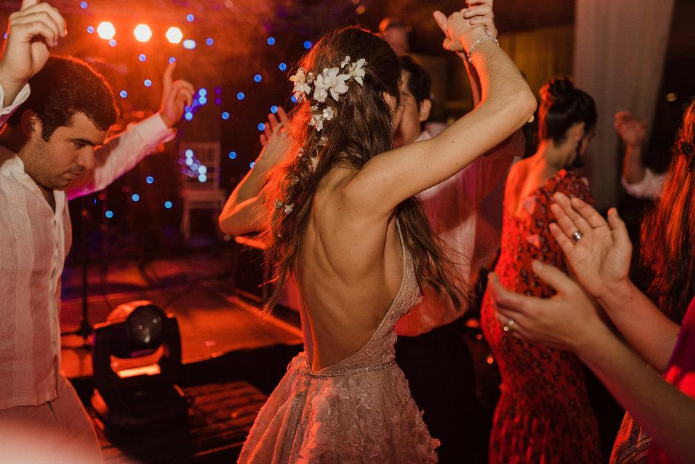 1 D+J Tropical Wedding-145.jpg