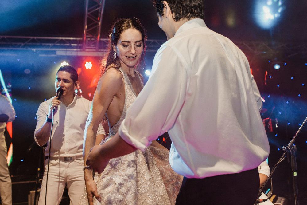 1 D+J Tropical Wedding-169.jpg