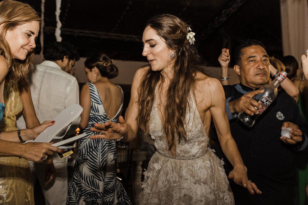 1 D+J Tropical Wedding-168.jpg