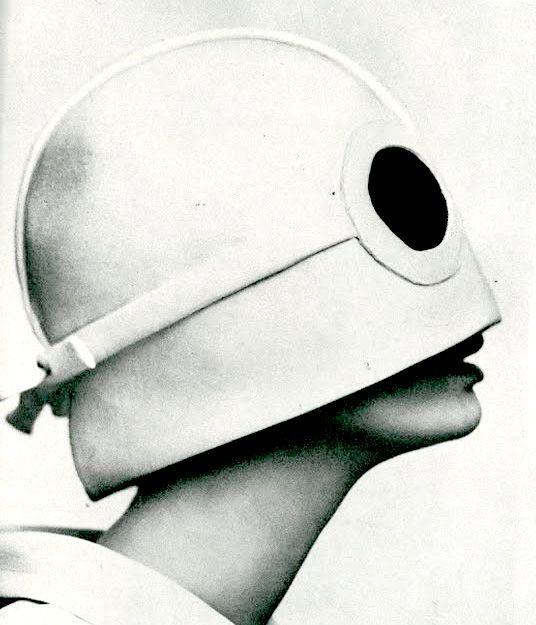 Fotografia di un casco 1965 -