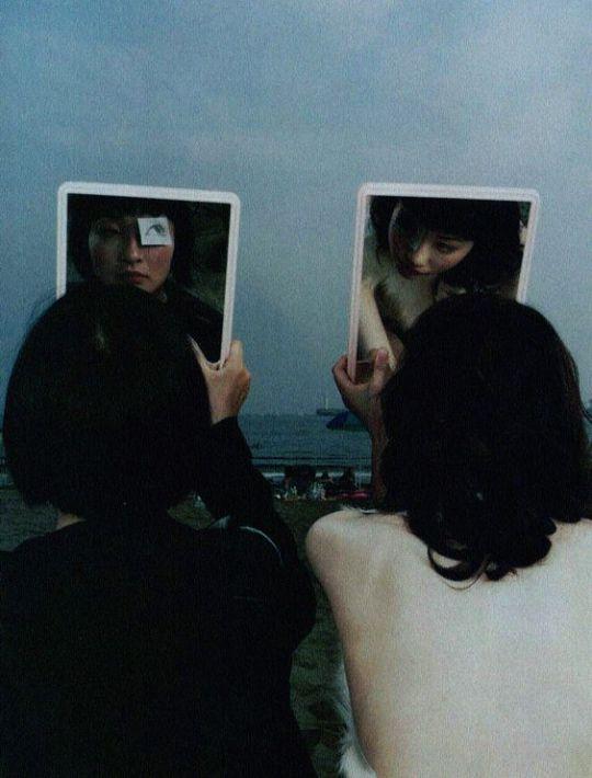(1998年)ジャルース雑誌の15号のためにルイ・デカムプスの写真、モデルは江ノ島さん。 -