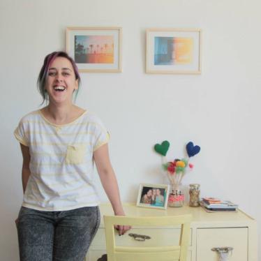 En este episodio Maggie nos cuenta un poco acerca de su vida, el veganismo y su proyecto Caramelos de Lima.