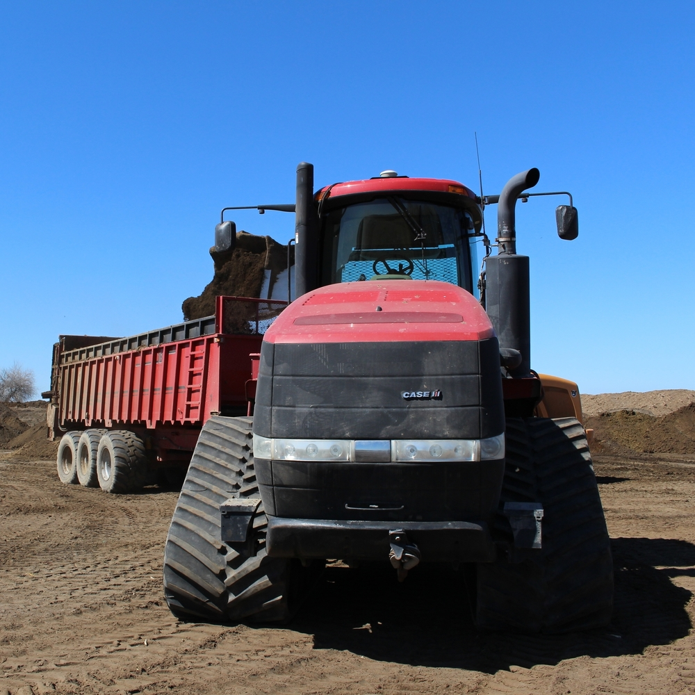 Manure, Crops, Fields, Fertilizer, Organic, Cow, Dairy, Bovine, Nutrient Management, Blending, Potting Soil, Marijuana, Weed, Growing, Peat Moss, Pumice Rock, Pomace Rock, Wood Chips, Wood Shavings, Equipment Rental. Windrow Turning, Screening, Trommel, Custom Hire, Rock Crushing, Orchards, Vineyards, Compost, Screened Manure, Soil Amendment, Organic, Orchard Application, Application, Quad Trac, Tractors, JBS, Komptech, Case, Wheel Loaders, Hauling, Distribution, Top Soil, Farming, Agriculture, Potatoes, Corn, Beans, Peas, Soil Health, Microbial Activity, PFRP, Certified for Organic Use, Tillage, No-Till. Grinding, Site Restoration, Pot-Soil, Cannabis, Yardwaste, Cowpost, Chicken Manure, Apples, Wine, Cultivating Agricultural Resources, Rental, Ovenell, 131 degrees, Construction, Erosion Control, Water Retention, Biological Activity, Green Waste, Curbside Collection, Pen Maintenance, Cattle, Organic Fertilizer, Organic Nutrients, Nutrients, Potash, Nitrogen, Cover Crop, Organic Manure, Green Manure, Banding, Broadcast