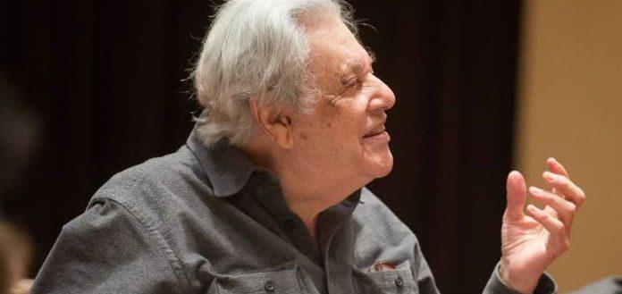 Robert-Mann-Violin-Violinist-Juilliard-Quartet-Died-Obituary-Cover-2-696x329-1-696x329.jpg