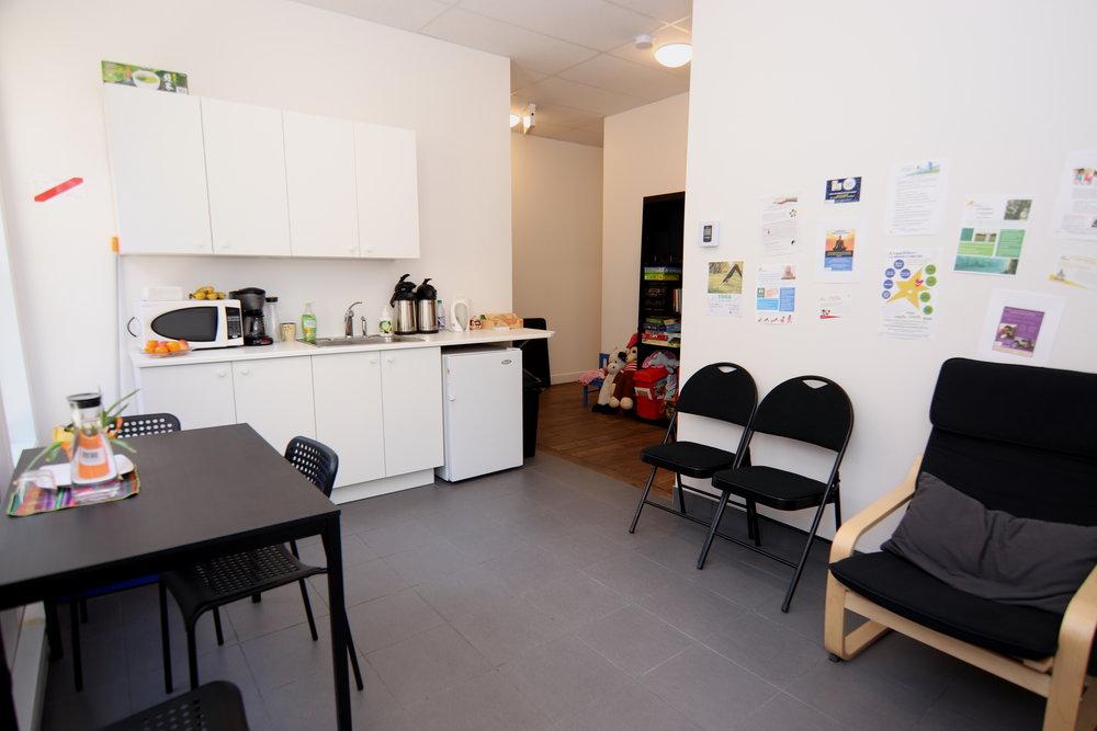 Salle d'attente et cuisine 2.jpg