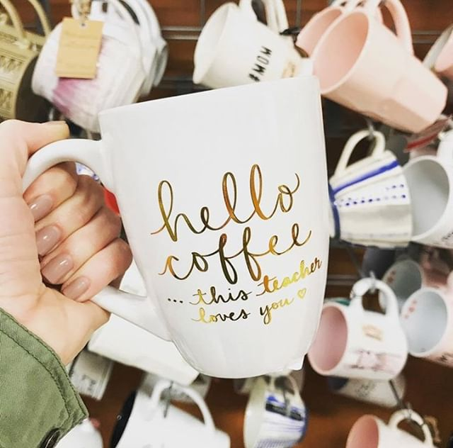 🍎Let's keep in mind our teachers and educators this Holiday Season. They wake up every day to enrich the minds of the future a.k.a they NEED their coffee!! ☕🍎 . . . #teacherappreciation #eccoloworld #holidayseason #tjmaxx #marshalls #amazon #coffeehustle #2019 (@theprekday)
