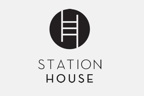 logo-stationhouse.png