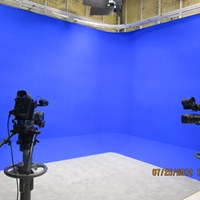 75.Chromakey_Blue_UNI-CYC_with_90_Degree_Cove.jpg