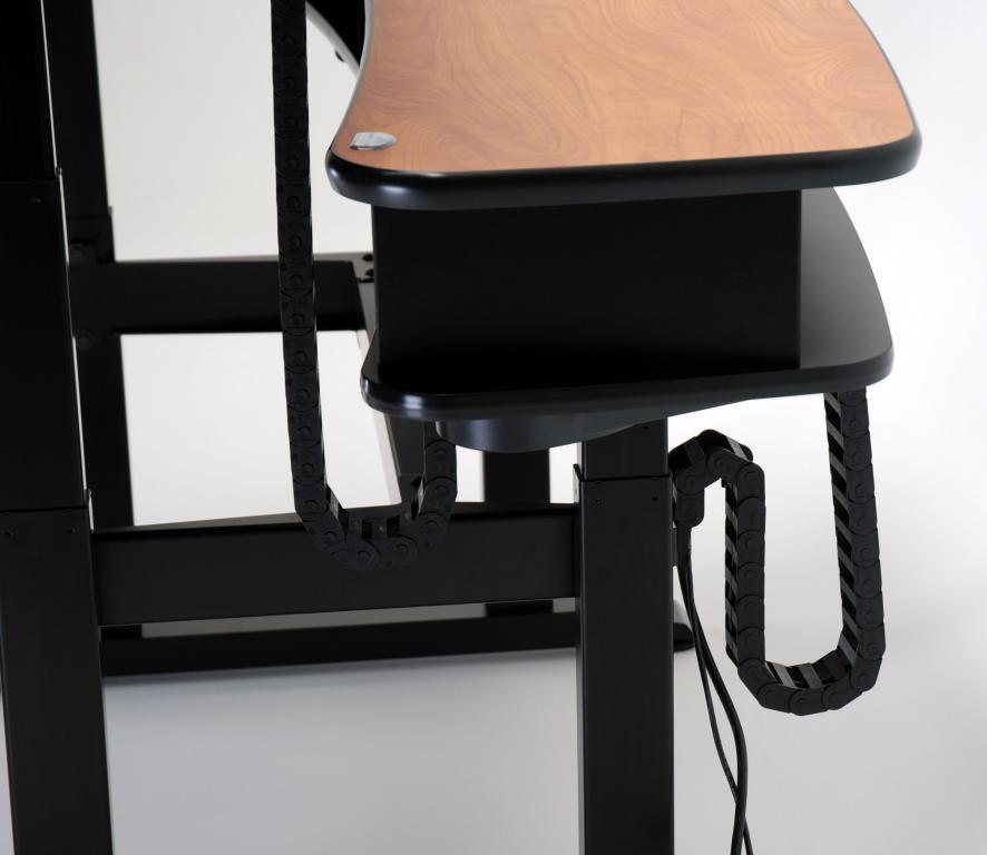 Ergo Duet 68 cable management with back down and front up.jpg