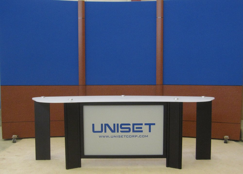 Desk w Frosted acrylci #3 top UNISET panel and blueburled RPs.JPG