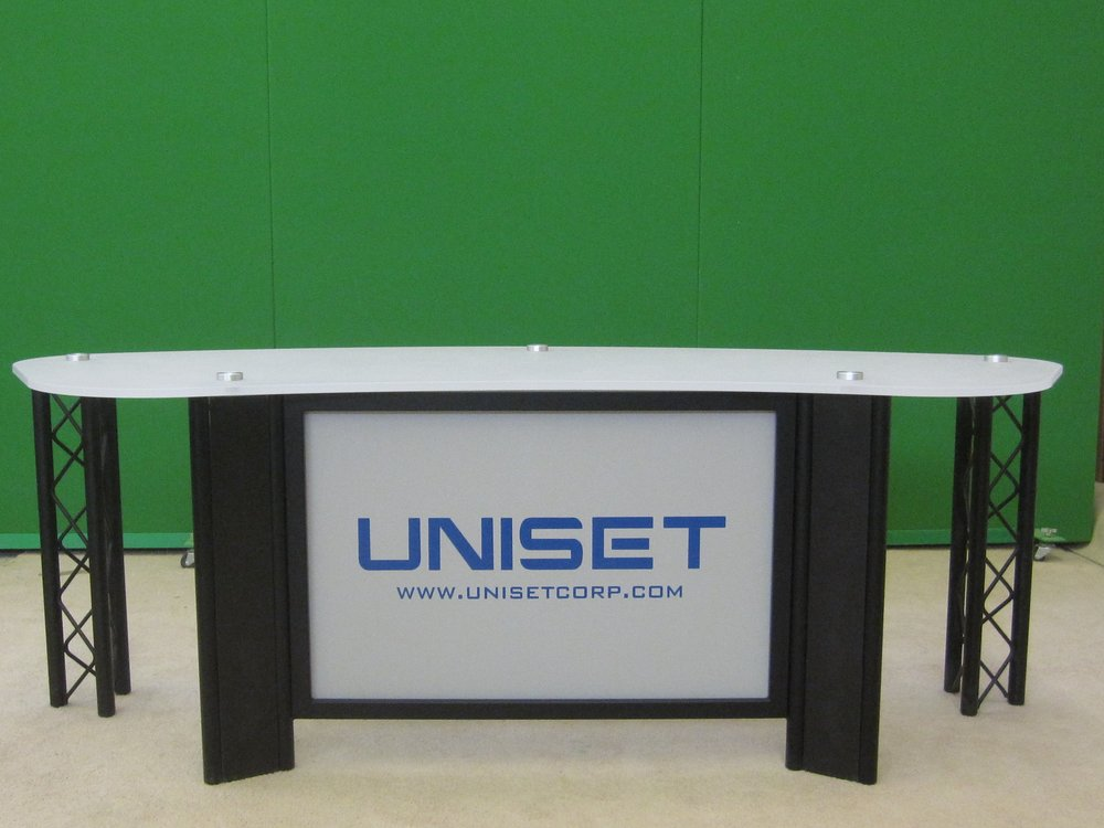 Desk w Frosted acrylic #3 top UNISET front panel w Green screen RPs.JPG