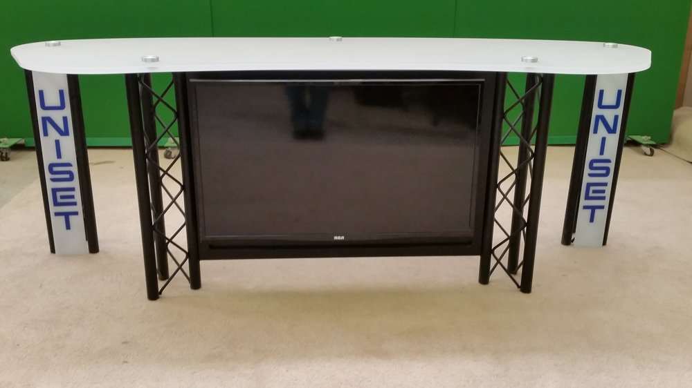 Desk w Frosted acrylic top #3 w Monitor and truss panels.jpg