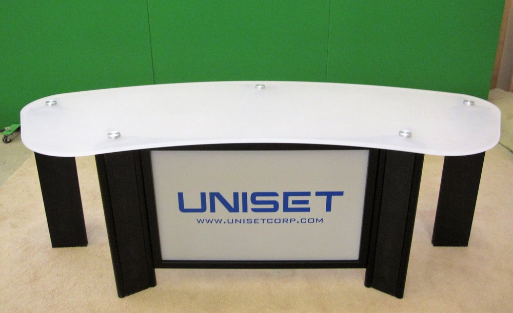 UNI-PRO Desk white acyrlic #3 top.jpg